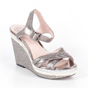 Vince Camuto Silver Gray Wedges